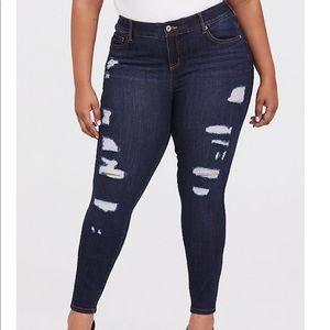 NWT torrid size 14 bombshell skinny jeans